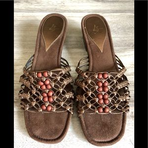 Nice sandals by LifeStride in size 81/2